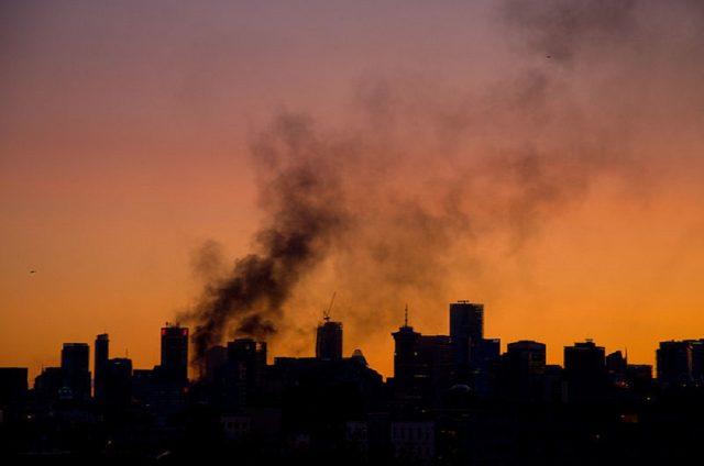 800px-smoke_over_vancouver